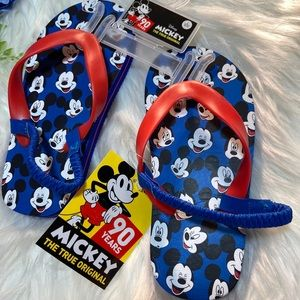 NWT Mickey Mouse Flip Flops size Large 9/10